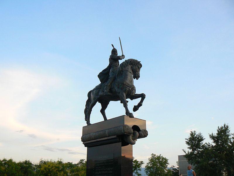 Monument_of_Khan_Krum_in_Plovdiv