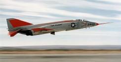 780px-McDonnell_YF4H-1_Phantom_II_taking_off_1958