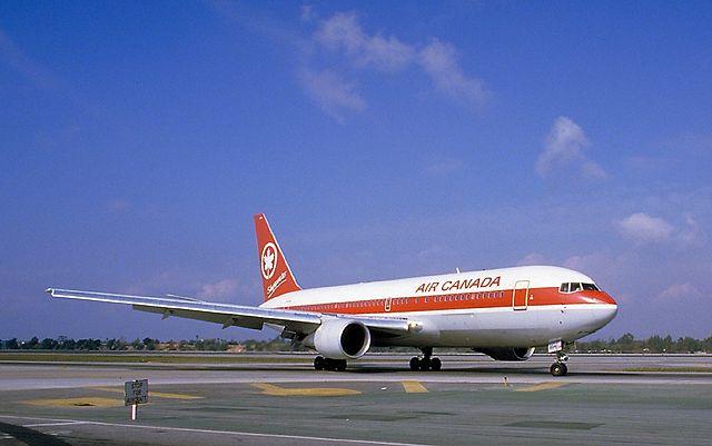 640px-Boeing_767-233,_Air_Canada_AN0078557