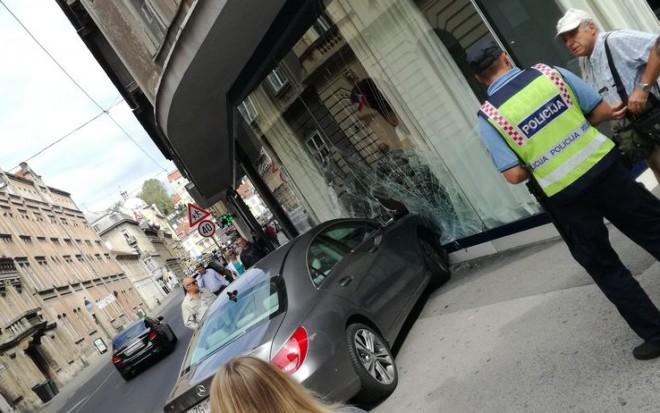 mercedes-restoran-l-06092017